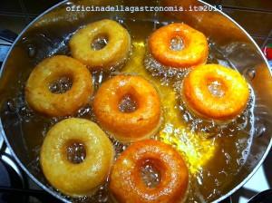 zeppole frying