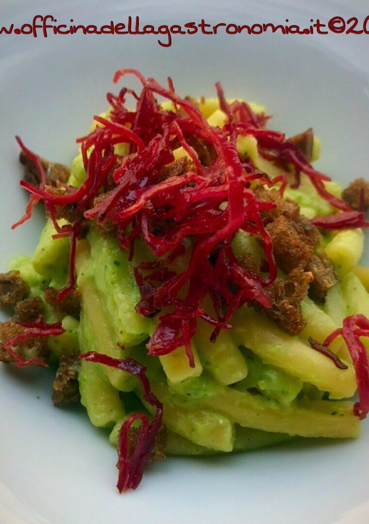 Caserecce con Broccoli, Bresaola e Pane Croccante